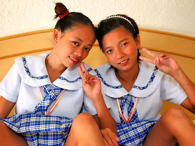 Barely legal Filipina schoolgirls hit it off at www.hdjapansex.xxx
