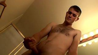 Sexy bloke getting deep throat from pretty fellow