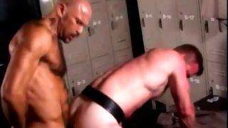 Bloke spanking his boyfriend while drilling his butt
