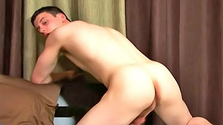 Handsome gay dude shows us his fantastic tight ass
