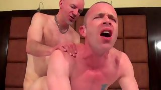 Fabulous hung guy gets his prick sucked