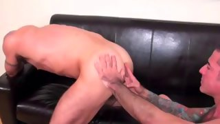 Nice skinny amateur dude gets his asshole licked