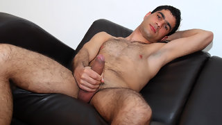 Hairy gay Bulgarian dude rubs one out