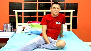 Good looking teen dude shows his fantastic body