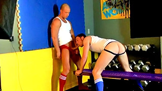 Good looking gay hunks have amazing sex in the gym