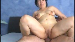 Horny bimbo slides her asshole on a boner