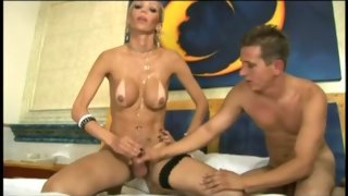 Hot bloke gulps up every inch of tranny's lovely cock