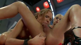 Sexy blonde shemale licks a shaved cunt