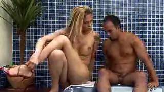 Tgirl hottie fills her mouth with hard horny dick